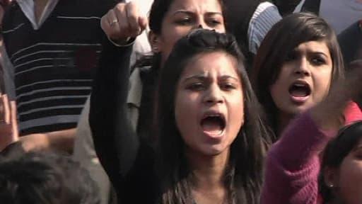 Manifestantes à New Dehli, samedi 22 décembre