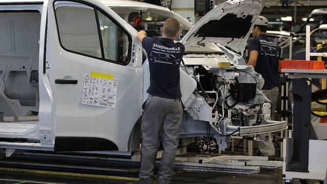 L'usine Renault de Sandouville est affectée à la production de véhicules utilitaires.