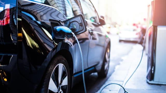 Décryptage : les mesures mises en place pour favoriser l'achat de voitures électriques