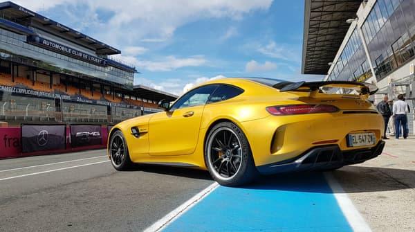 A la GT R la palme de la sportivité, à la GT C Roadster celle du plaisir de conduire... cheveux au vent forcément!