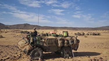 Militaires français dans la vallée de Tigharghar, dansle nord du Mali. Les députés français ont voté, sans surprise, en faveur du prolongement de la mission d'intervention militaire dans le pays où l'armée tricolore a amorcé un retrait de ses quelque 4.00