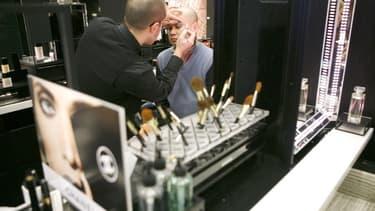 Chanel se lance dans le maquillage pour homme.