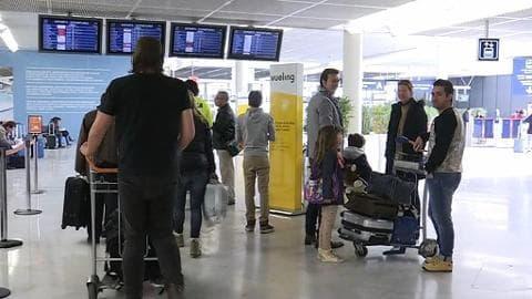 Grève des contrôleurs aériens: le casse-tête économique pour les voyageurs