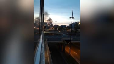 Un véhicule en feu à Lille.