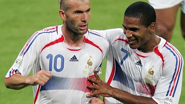 Zidane est félicité par Malouda