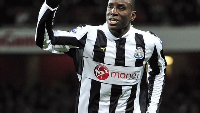 Demba Ba avec le maillot de Newcastle