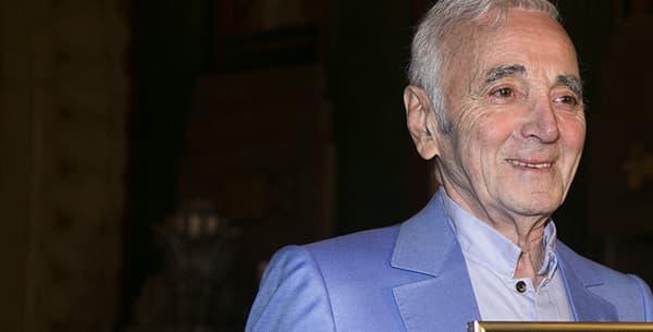 Charles Aznavour et son étoile d'honneur à Hollywood le 27 octobre 2016