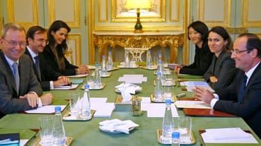 Le redressement fiscal aurait été évoqué lundi par François Hollande et Eric Schmidt