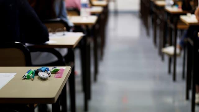 Tables d'examen lors du baccalauréat à Caen, le 18 juin 2018 (Photo d'illustration)