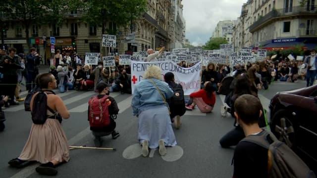 Une marche pour dénoncer les féminicides a été organisée à Paris ce vendredi soir