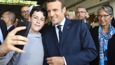 Emmanuel Macron, jeudi 1er juin, sur le port de Lorient.