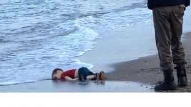 Aylan Kurdi, 3 ans, est mort sur une plage de la station balnéaire de Bodrum, en Turquie, alors qu'il tentait de rallier l'Europe.
