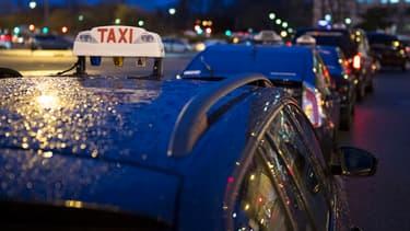 """Didier Hogrel, président de la Fédération nationale du Taxi, reconnaît que le gouvernement essaie """"d'éteindre le feu, mais dire qu'on est pleinement satisfait ce serait vous mentir""""."""