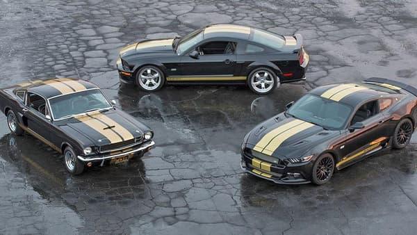 A gauche, la Shelby originale. A droite et au centre, le modèle 2016 confectionné par Ford (mais qui garde l'appellation Shelby, il faut suivre).