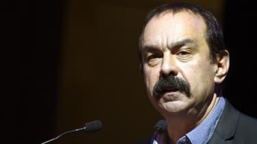 Philippe Martinez considère que les Français rejettent les programmes de la droite, que ce soit celui de François Fillon ou d'Alain Juppé