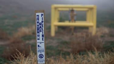 Panneau marquant la limite de la propriété de la Southern California Gas Co (Socal Gas), dans la région de Los Angeles, en Californie, où une fuite de gaz massive est en cours.