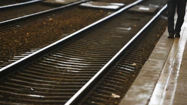 """La direction de la SNCF a déclaré samedi avoir """"plus que bon espoir"""" d'éviter des mouvements de grève dans les semaines à venir, malgré le préavis national lancé par la FGAAC-CFDT pour tous les week-ends du mois de décembre. /Photo d'archives/REUTERS/Régi"""