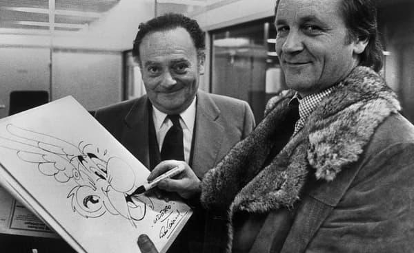 René Goscinny (à gauche) et son complice, le dessinateur Albert Uderzo (à droite) dans les années 1970. -