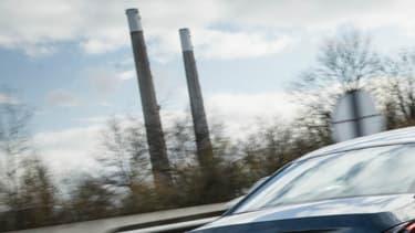 Des véhicules PSA ont été testés à l'UTAC-CERAM dans le cadre de la Commission Royal. Le constructeur a réalisé en parallèle ses propres tests.