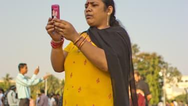En Inde, les utilisateurs de smartphone ont coutume de s'envoyer chaque matin des salutations en image.