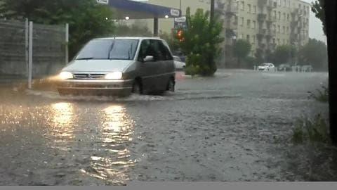 Violent orage sur Nîmes - Témoins BFMTV