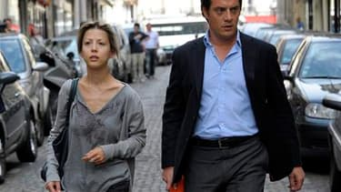 La journaliste et écrivain française Tristane Banon, accompagnée de son avocat David Koubbi, à Paris. La plainte de la jeune femme contre Dominique Strauss-Kahn pour tentative de viol, actuellement à l'étude au parquet de Paris, se fonde sur des éléments