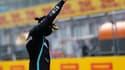 Lewis Hamilton, le poing levé