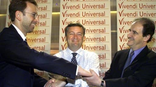 Jean-Marie Messier alors à la tête de Vivendi en 2000, entouré de ses deux bras droits: Edgar Bronfman Jr et Pierre Lescure