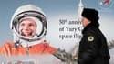 Portrait de Iouri Gagarine, dans les rues de Moscou. Il y a 50 ans, ce fils de paysans russes devenu pilote de chasse changea le cours de l'humanité en devenant le premier homme à voyager dans l'espace, pendant 108 minutes. /Photo prise le 11 avril 2011/R