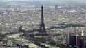 Une source officielle française a jugé infondée la rumeur d'une dégradation de la note souveraine française qui a provoqué, selon des opérateurs, une forte réaction sur les marchés financiers. /Photo d'archives/REUTERS