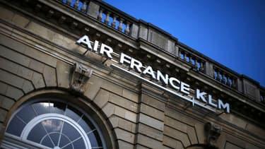 Air France tente de renouer le dialogue avec ses partenaires sociaux