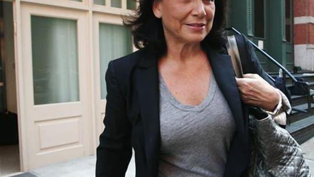 Anne Sinclair est désignée femme de l'année 2011 dans un sondage CSA pour le magazine féminin en ligne Terrafemina. L'épouse de Dominique Strauss-Kahn l'emporte avec 25% des voix, suivie de très près par Christine Lagarde (24%) et la première secrétaire d