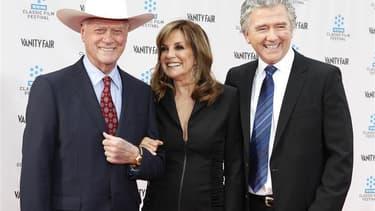 Larry Hagman, Linda Gray et Patrick Duffy, qui incarnent J.R., Sue Ellen et Bobby dans la série Dallas. Le premier épisode de la série Dallas nouvelle génération a été suivi mercredi soir par près de 7 millions de téléspectateurs, soit un record pour une