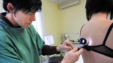 Le dépistage du mélanome n'était pour le moment possible qu'auprès d'un médecin. (Photo d'illustration)