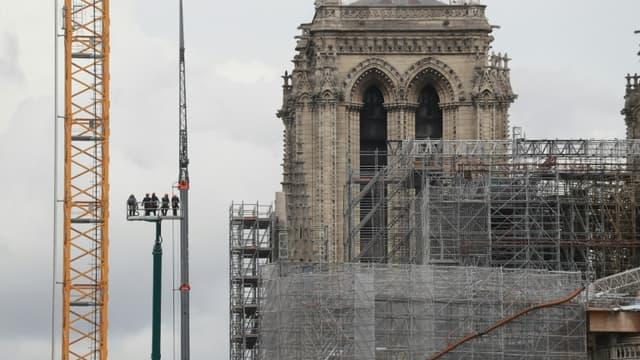 Démontage de l'échafaudage de Notre-Dame de Paris, le 17 juin 2020