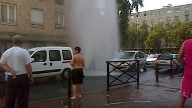 Des centaines de bouches à incendie ont été vandalisées comme ici à Nanterre.