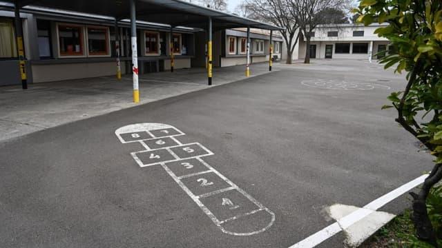 Une cour d'école fermée au Crès, près de Montpellier, le 12 mars 2020 (photo d'illustration)