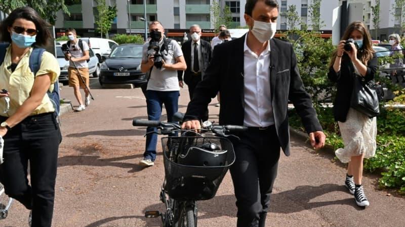 """Coronavirus: le maire de Lyon favorable au port du masque obligatoire """"dans les lieux publics clos"""""""