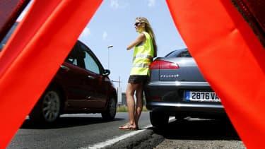 Le gilet de haute visibilité, obligatoire dans chaque véhicule depuis 2008, va également l'être pour les deux-roues motorisés à partir de 2016. (Photo d'illustration)