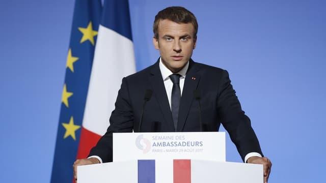 Emmanuel Macron veut notamment créer 50.000 places supplémentaires pour le logement d'urgence.