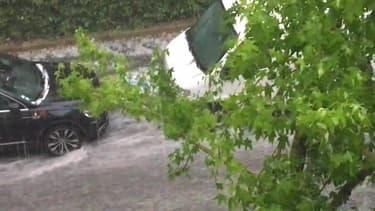 Pluie de grêlons à Valenton (Val-de-Marne) - Témoins BFMTV