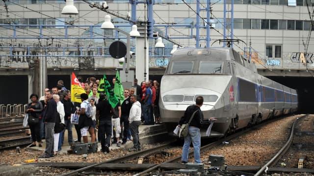 La CGT et Sud Rail ont déposé des alarmes sociales
