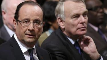 François Hollande voit sa cote de confiance légèrement remonter en mai à 32% d'opinions positives (+1) contre 68% de désapprobation, tandis que la cote Jean-Marc Ayrault atteint son plus bas niveau depuis sa nomination à Matignon (34%, -2), selon le barom