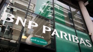 """La banque est accusée de """"pratiques commerciales trompeuses""""."""