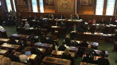 Le conseil de Paris a voté à l'unanimité en faveur de mesures contre les violences homophobes
