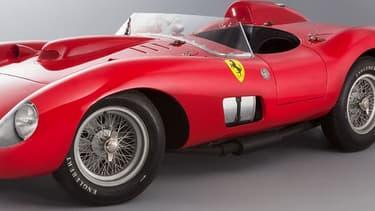 Le clou du catalogue est une Ferrari 335 Sport de 1957. Elle s'est finalement arrachée pour la somme faramineuse de 28 millions d'euros (hors taxe) dans la soirée du 05 février 2016. Avec les frais, l'acheteur devra au total débourser 32.075.200 euros pour s'asseoir au volant.