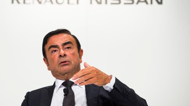 """Carlos Ghosn assure qu'il n'y a pas eu """"tromperie"""" de Renault sur ses émissions polluantes."""