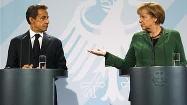 Dans un entretien à Reuters, le socialiste Jérôme Cahuzac, président de la commission des finances de l'Assemblée nationale, estime que Nicolas Sarkozy et Angela Merkel aggravent la crise frappant la zone euro par leur indécision. /Photo prise le 9 octobr