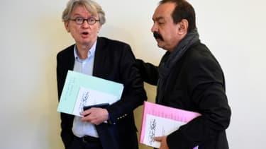 Le dirigeant de Force ouvrière (FO), Jean-Claude Mailly (g) et celui de la CGT, Philippe Martinez, le 29 mars 2017 à Paris