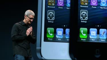 Apple a confirmé mardi que les ventes de l'iPhone, qui tirent sa croissance depuis des années, devraient reculer ce trimestre, ce qui constituerait une première depuis le lancement du produit en 2007.